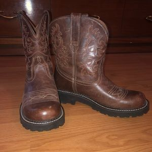 Ariat boots women's 8.5. Cowgirl/western